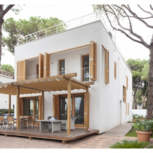CASTELLDEFELS HOUSE