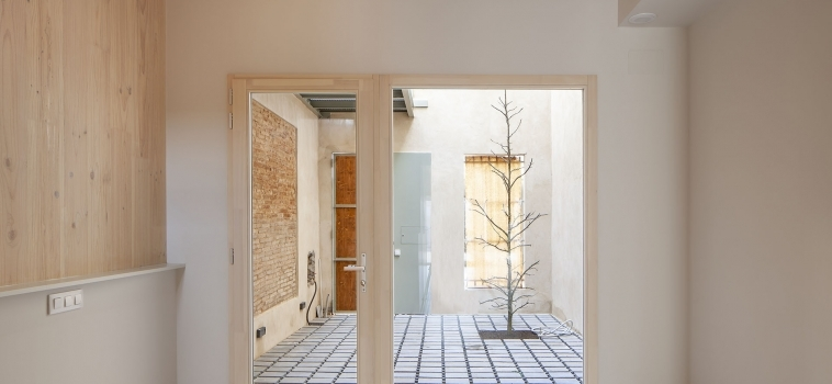 A bio-passive home between party walls in the city of Sabadell