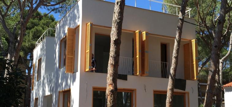 Sellado de carpintería y encolado en las casas de madera House Habitat
